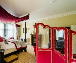Spa and/or other wellness facilities at Crossbasket Castle