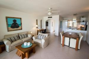 A seating area at Oceanpark Bonaire