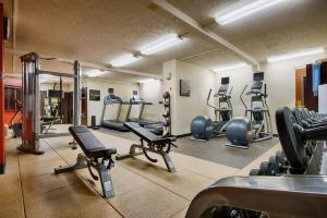 The fitness center and/or fitness facilities at DoubleTree by Hilton Spokane City Center