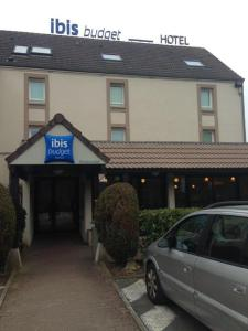 The facade or entrance of Ibis Budget Rambouillet