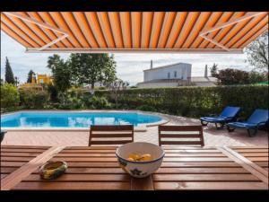 The swimming pool at or near Villa Vilamar