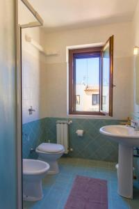 A bathroom at Stagnone Holiday Apartment