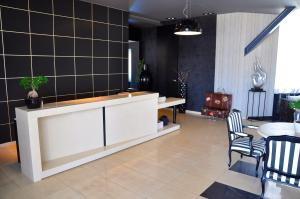 The lobby or reception area at Gallery Art Hotel