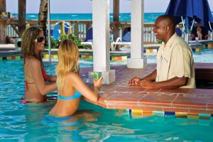 The swimming pool at or close to Coconut Bay Beach Resort & Spa All Inclusive
