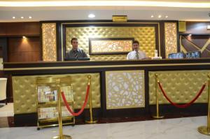 O saguão ou recepção de Noor Amal Hotel Apartments As Sulay