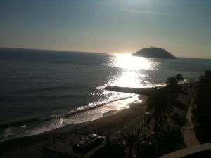 A beach at or near a szállodákat