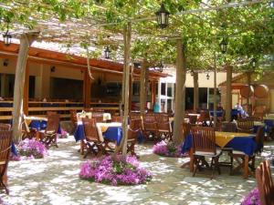 Εστιατόριο ή άλλο μέρος για φαγητό στο Ξενοδοχείο Λίντζι