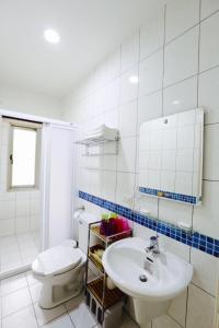 A bathroom at Love B&B