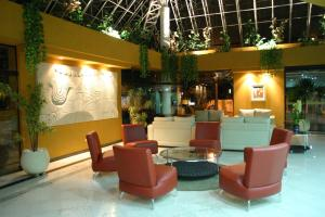 The lobby or reception area at Hotel Solarium Express