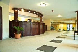Zona de hol sau recepție la Hotel Flora