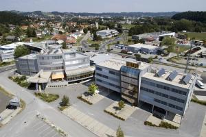 Blick auf Business Hotel Ambio Gleisdorf aus der Vogelperspektive