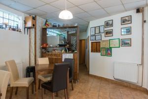 Ресторан / где поесть в Pensiunea Caramida Verde