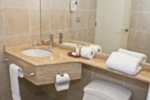 Un baño de Hotel Limari