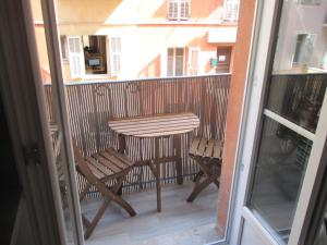 A balcony or terrace at Nice Apartment Old Town