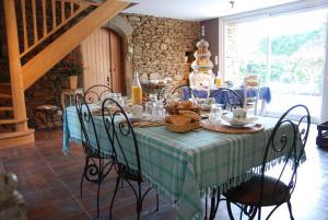 Restaurant ou autre lieu de restauration dans l'établissement Les Keriaden's