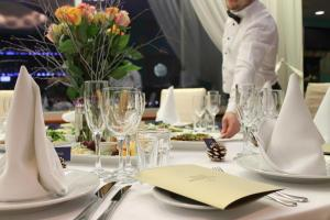 A restaurant or other place to eat at Riga Islande Hotel with FREE Parking