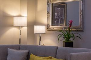A seating area at Mansio Suites The Headrow