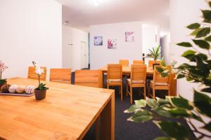 Ein Restaurant oder anderes Speiselokal in der Unterkunft Zimmervermietung Dietrich Trofaiach