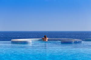 Der Swimmingpool an oder in der Nähe von The Oberoi Beach Resort, Sahl Hasheesh