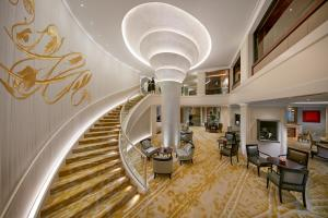 The fitness center and/or fitness facilities at Mandarin Oriental, Munich