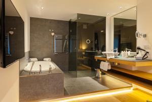 A bathroom at Das Graseck - my mountain hideaway