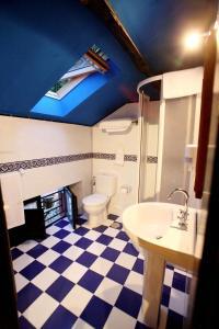A bathroom at Hotel Casa de Indianos Don Tomás
