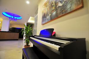 A television and/or entertainment center at Yeniceri City Hotel