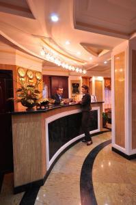 The lobby or reception area at Hotel Arca lui Noe
