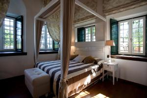 A bed or beds in a room at Despotiko
