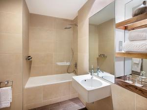 A bathroom at Jurys Inn Cardiff