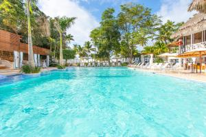 The swimming pool at or near Be Live Collection Canoa - All Inclusive