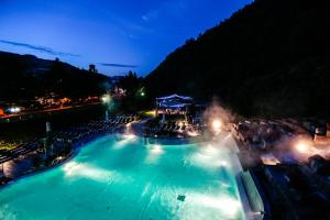 The swimming pool at or near Ròseo Euroterme Wellness Resort