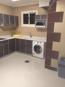 A cozinha ou cozinha compacta de Rukon Buotat 15