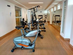 The fitness center and/or fitness facilities at Flat na Beira Mar do Cabo Branco