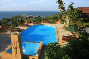 A view of the pool at Kantiang View Resort or nearby