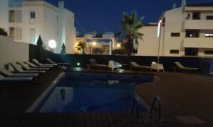 Бассейн в KR Hotels - Albufeira Lounge или поблизости
