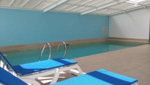 The swimming pool at or close to Marseille Prado Perier