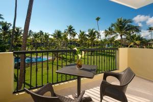 Un balcón o terraza de Ocean Blue & Sand Beach Resort - All Inclusive
