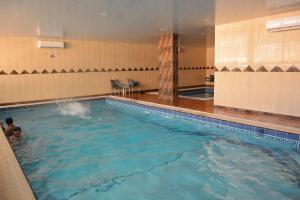 A piscina localizada em Massara House Al Khobar ou nos arredores