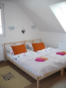 Postel nebo postele na pokoji v ubytování Rivendell Apartments