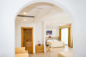 A seating area at Hotel Terminal - Caroli Hotels