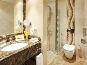 حمام في فندق إيلاف كندة