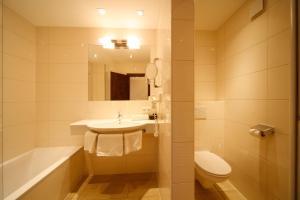 A bathroom at Hotel Resch
