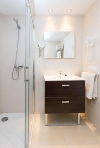 Bagno di Apartamentos Sofía Playa Ibiza