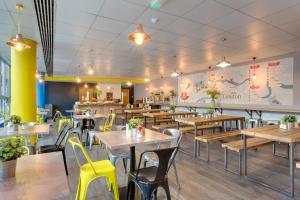 Restaurant ou autre lieu de restauration dans l'établissement MEININGER Hotel London Hyde Park