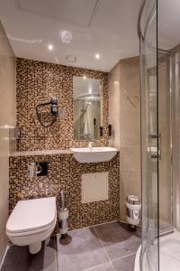 Un baño de MEININGER Hotel London Hyde Park