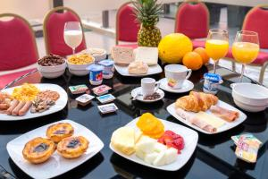 Breakfast options available to guests at Rossio Garden Hotel