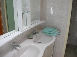 Salle de bains dans l'établissement Château de la Gabelle