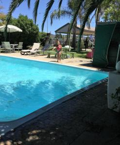 The swimming pool at or near Murray Valley Motel