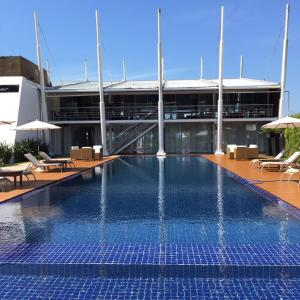 The swimming pool at or close to Parador Estaleiro Hotel Exclusive